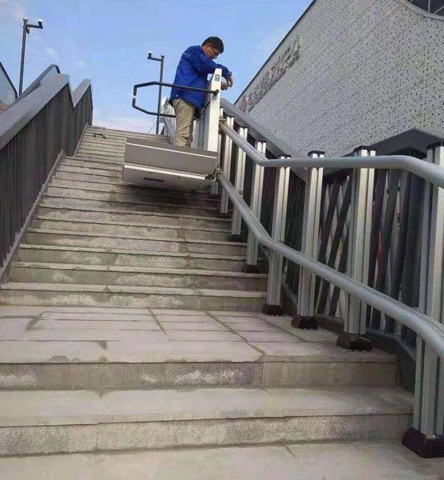 斜挂轮椅升降平台