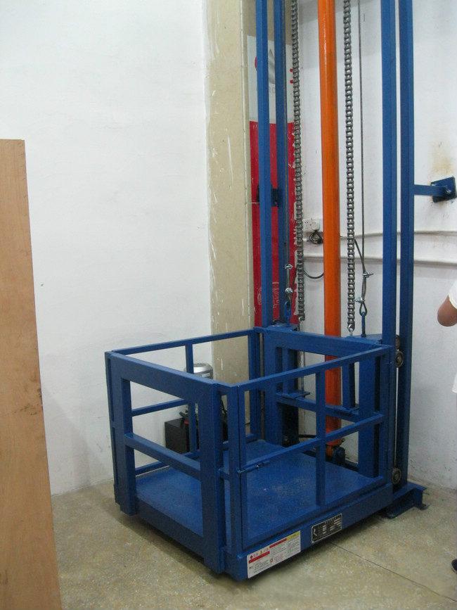 单杠单跨导轨升降机
